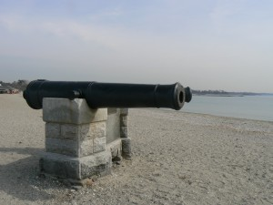 Compo Beach cannons, Westport